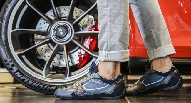 Dễ phối đồ, hợp thời trang là yếu tố quan trọng của một đôi giầy lái xe tốt